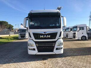 MAN TGX 26.470 LAMBERET kamion furgon