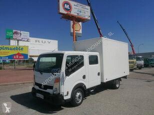 NISSAN 35.13 kamion furgon