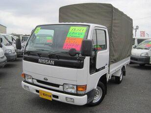 NISSAN Atlas kamion s ceradom