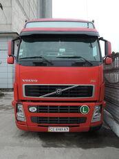 VOLVO FH 440 kamion s ceradom + prikolica sa ceradom