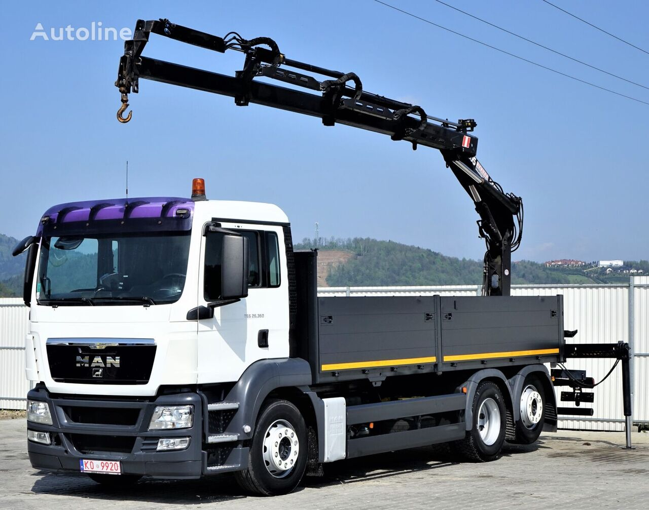 MAN TGS 26.360 kamion s ravnom platformom