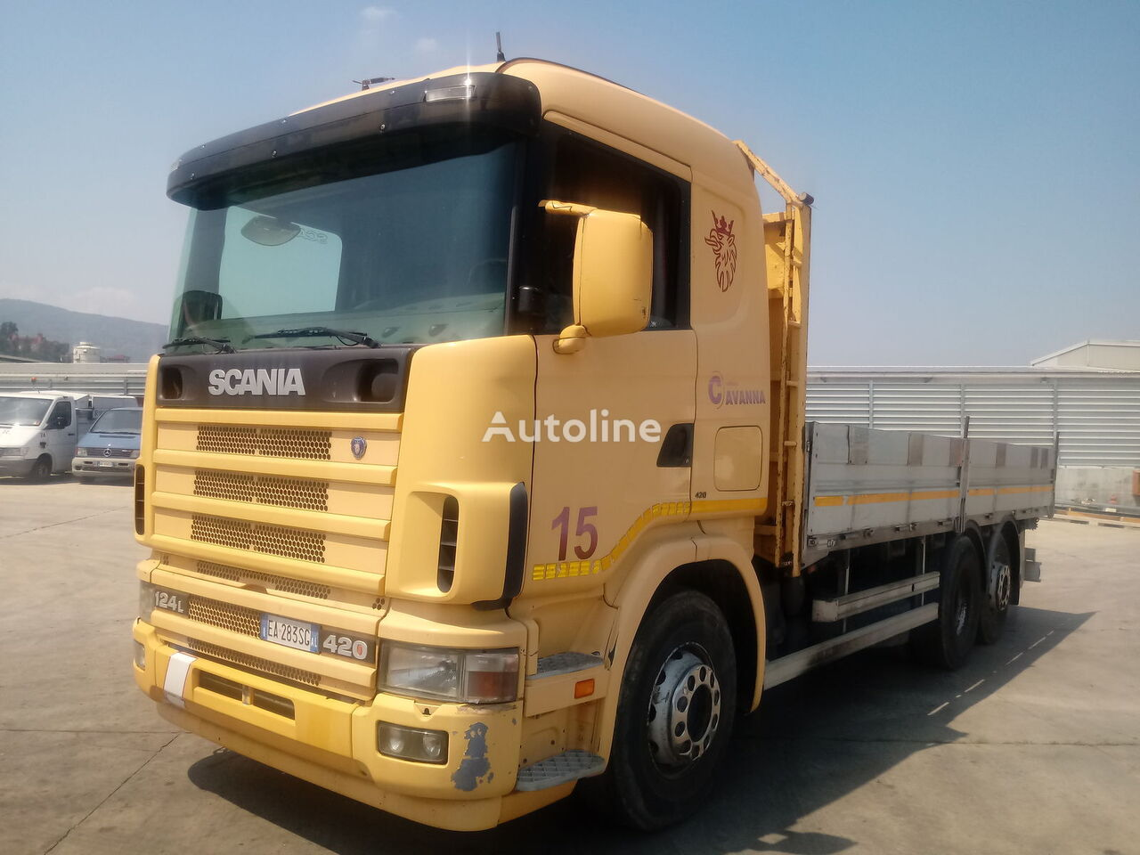 SCANIA 124 LB 420 kamion s ravnom platformom