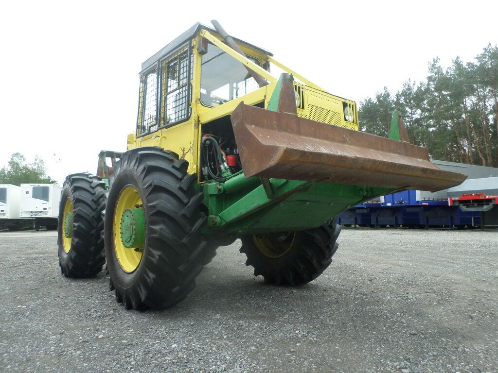 LKT 81  šumarski traktor