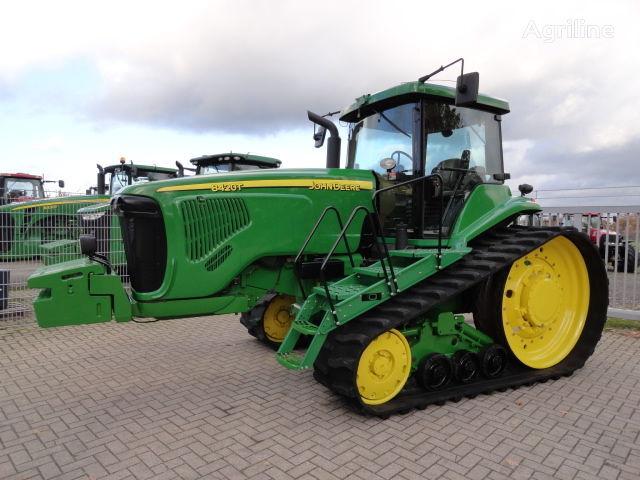 JOHN DEERE 8420 T traktor guseničar