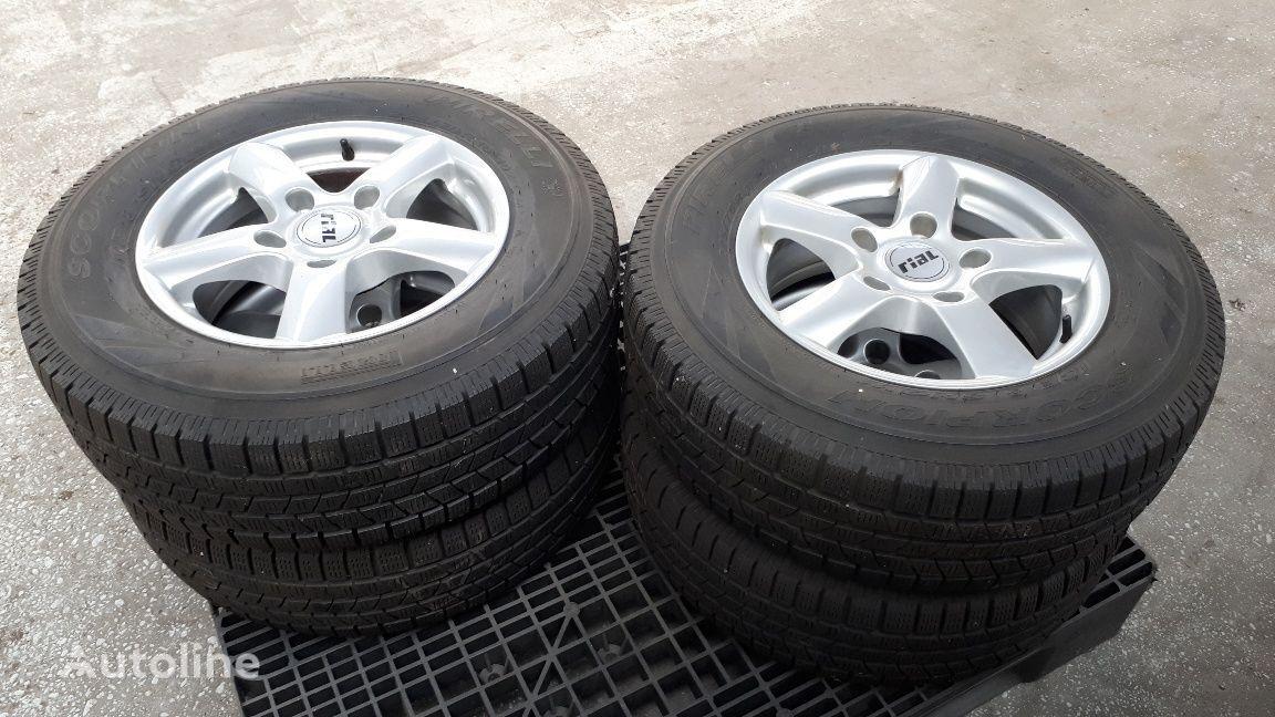 novi Pirelli Winterband točak